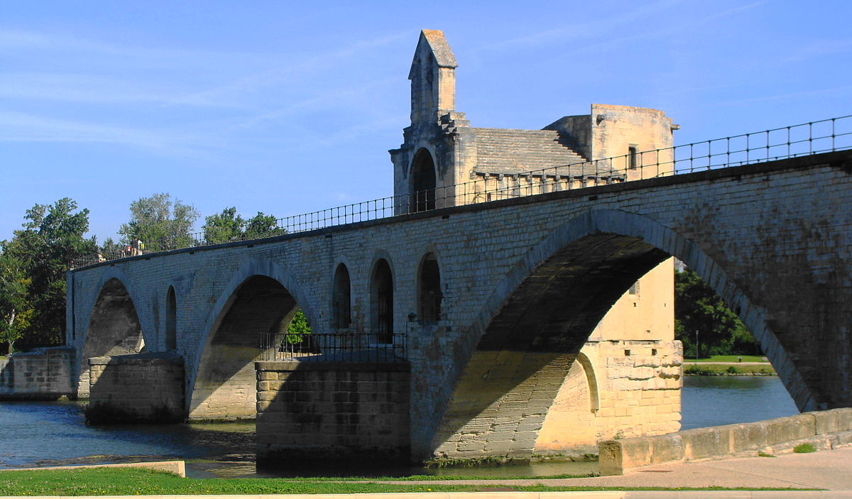 historia mostu w avignon