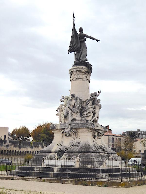 monument 0 avignon
