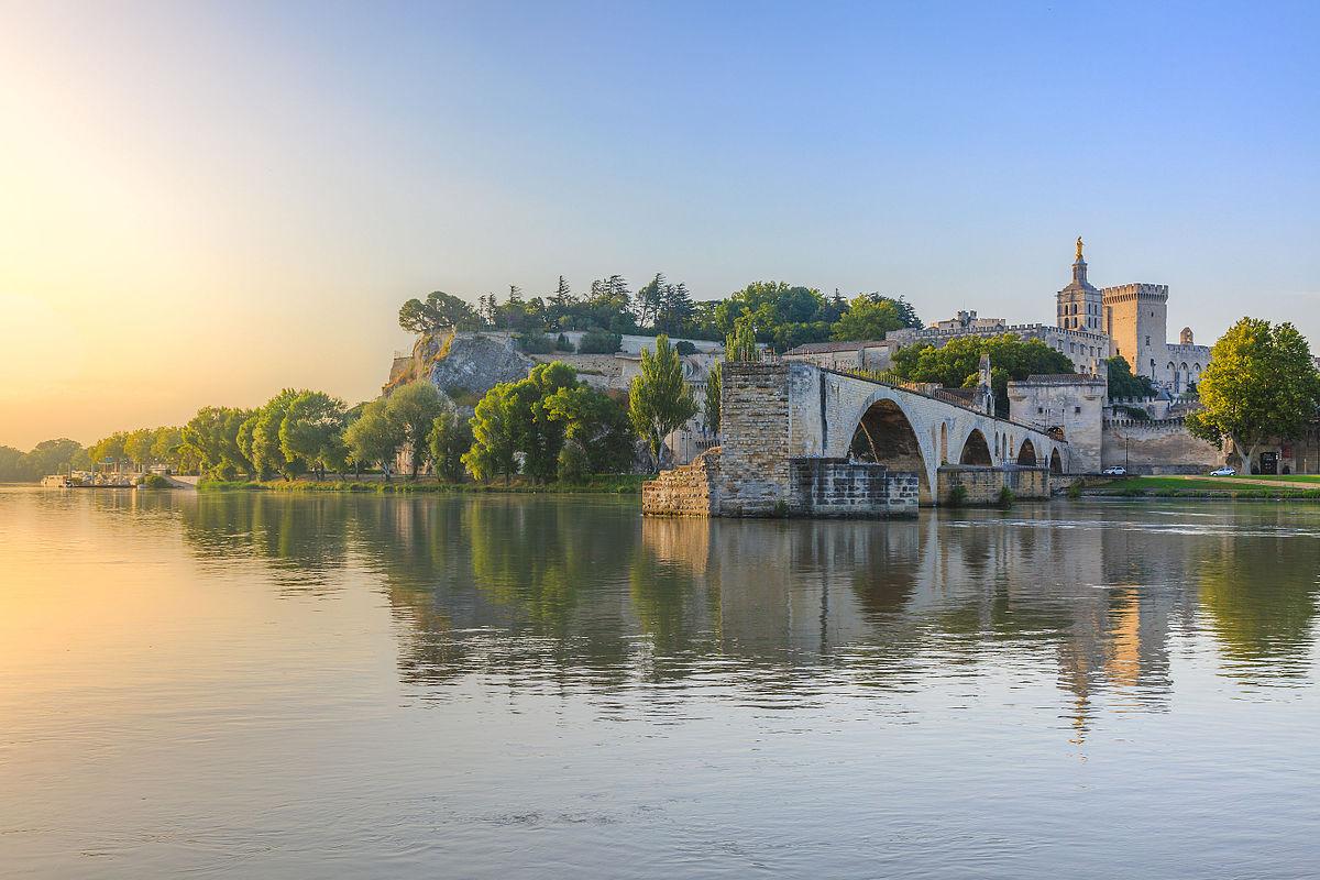 most w avignon historia
